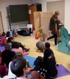 Hand theatre (13)