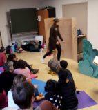 Hand theatre (14)
