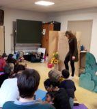 Hand theatre (4)