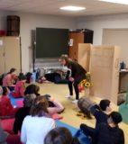 Hand theatre (5)