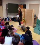 Hand theatre (9)